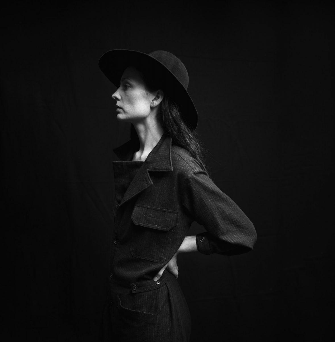 hye sun mun FW 16/17, FASHION, portraiture, woman, black and white, portrait, hands, artist, new york, brooklyn